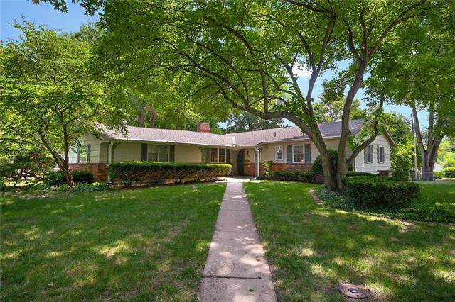 9711 Chadwick Drive, Overland Park, KS 66206 (MLS #2336522) :: Stone & Story Real Estate Group