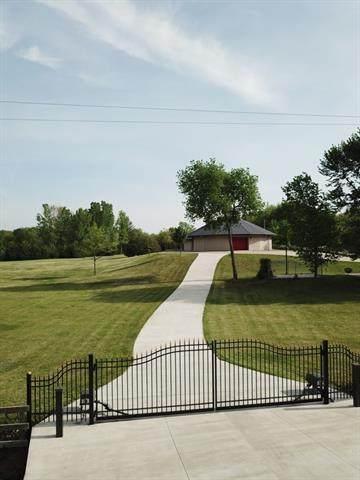 7017 NW Valencia Road, Silver Lake, KS 66539 (#2336547) :: Ron Henderson & Associates