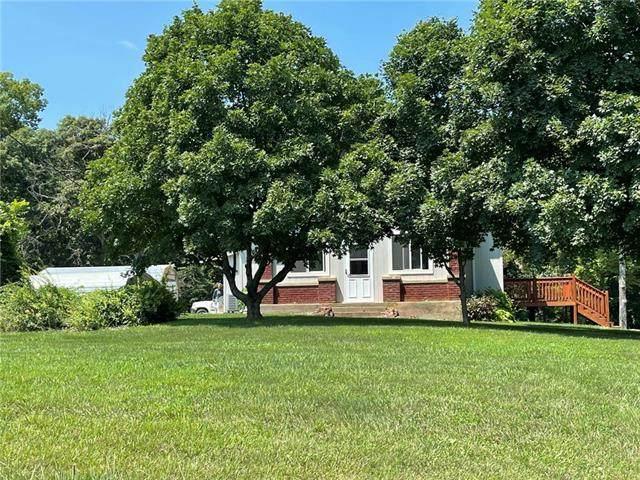 30710 Bethel Church Road, Paola, KS 66071 (#2336565) :: The Kedish Group at Keller Williams Realty