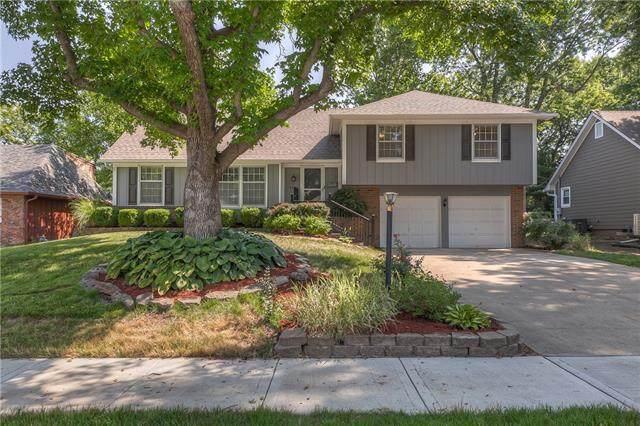 8400 W 97 Terrace, Overland Park, KS 66212 (#2336575) :: Austin Home Team