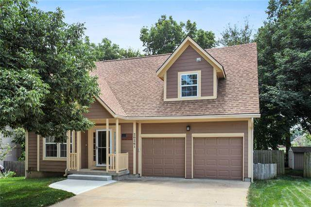 20261 W 219th Street, Spring Hill, KS 66083 (MLS #2336577) :: Stone & Story Real Estate Group
