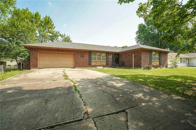 110 NW Redwing Drive, Lee's Summit, MO 64063 (#2336578) :: The Shannon Lyon Group - ReeceNichols