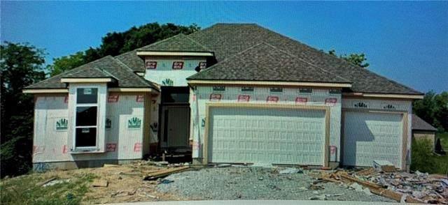 7420 NW Douglas Court, Parkville, MO 64152 (#2336661) :: SEEK Real Estate