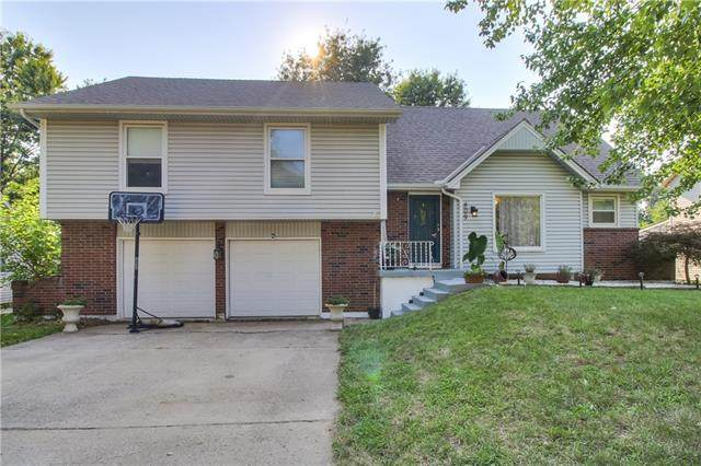 809 NW Delwood Drive, Blue Springs, MO 64015 (#2336675) :: Ask Cathy Marketing Group, LLC