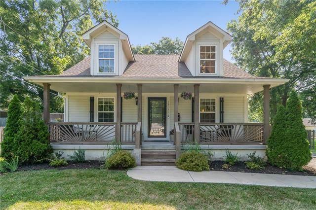 13121 Grandview Road, Grandview, MO 64030 (#2336758) :: Eric Craig Real Estate Team
