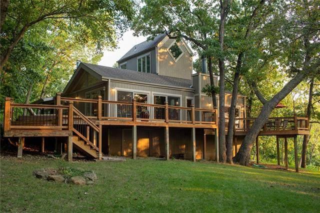 16271 Kranker Drive, Stilwell, KS 66085 (#2336795) :: Eric Craig Real Estate Team