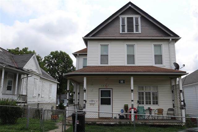 1007 S 15th Street, St Joseph, MO 64503 (#2336822) :: Austin Home Team