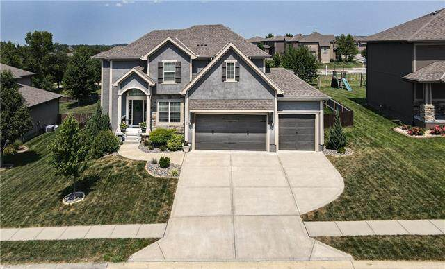 1104 Foxshire Circle, Raymore, MO 64083 (#2336833) :: Tradition Home Group   Better Homes and Gardens Kansas City