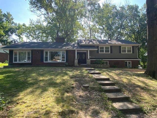 301 Augustus Circle, Excelsior Springs, MO 64024 (#2336843) :: Ron Henderson & Associates