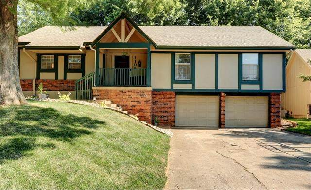 1106 NE Oak Tree Drive, Lee's Summit, MO 64086 (#2336859) :: The Rucker Group