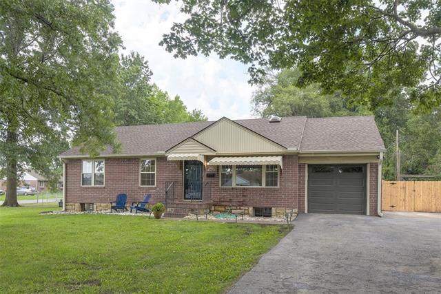 10826 W 62nd Street, Shawnee, KS 66203 (#2336883) :: The Shannon Lyon Group - ReeceNichols