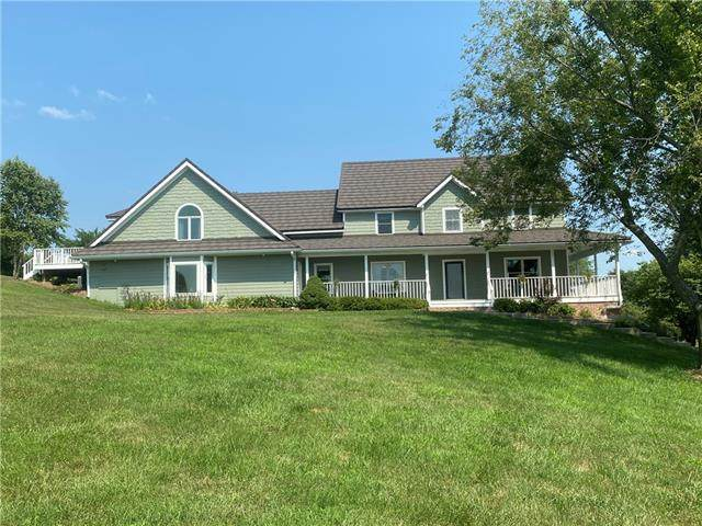 9319 S Stillhouse Road, Oak Grove, MO 64075 (#2336900) :: The Rucker Group
