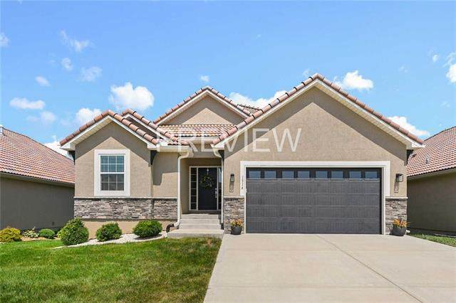1514 SW Antiquity Drive, Lee's Summit, MO 64081 (MLS #2336928) :: Stone & Story Real Estate Group