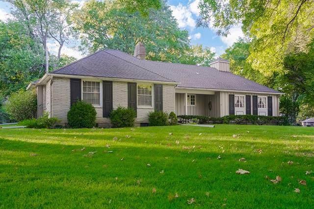 5244 Mohawk Lane, Roeland Park, KS 66205 (#2336957) :: The Shannon Lyon Group - ReeceNichols