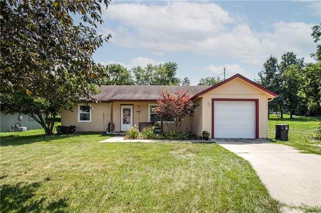 709 Walnut Street, Greenwood, MO 64034 (MLS #2336980) :: Stone & Story Real Estate Group