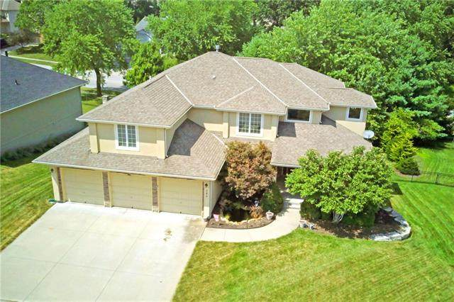 260 SW Point Shore Drive, Lee's Summit, MO 64082 (#2336999) :: SEEK Real Estate
