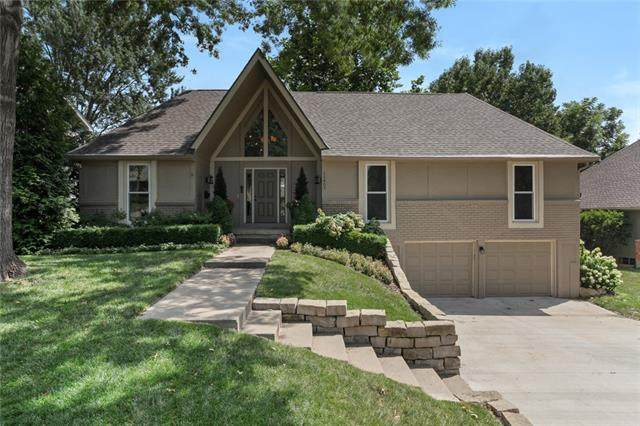11807 W 99th Place, Overland Park, KS 66214 (#2337030) :: SEEK Real Estate