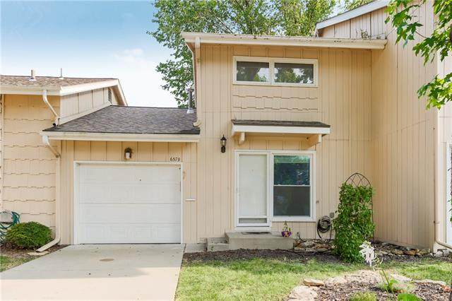 6579 W 49th Street, Mission, KS 66202 (#2337034) :: Dani Beyer Real Estate