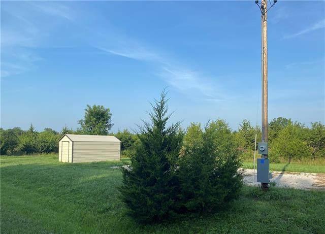 1 Palomino Drive, Linn Valley, KS 66040 (#2337064) :: Team Real Estate