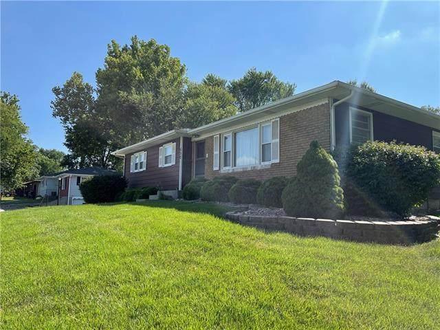 502 S 2nd Street, Lansing, KS 66043 (#2337098) :: Dani Beyer Real Estate