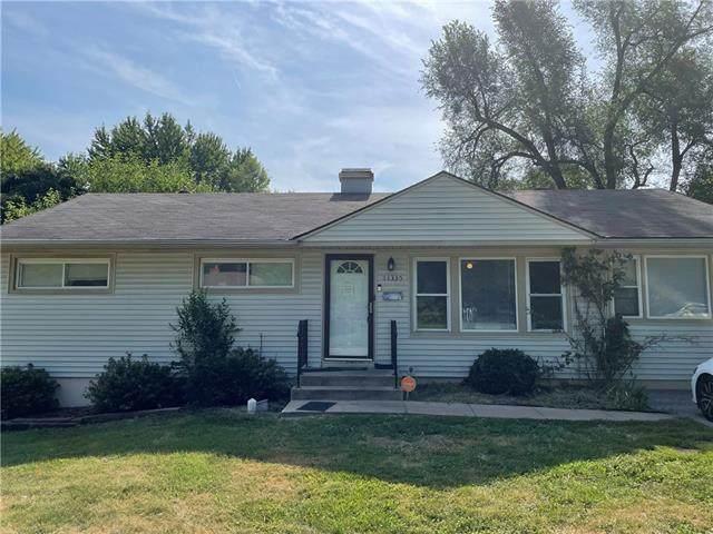 11335 Sycamore Terrace, Kansas City, MO 64134 (#2337184) :: The Rucker Group