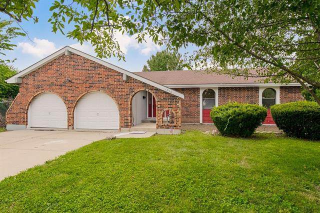 13116 Park Hills Drive, Grandview, MO 64030 (#2337189) :: The Rucker Group