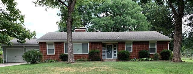 11401 Orchard Road, Kansas City, MO 64134 (#2337202) :: Eric Craig Real Estate Team