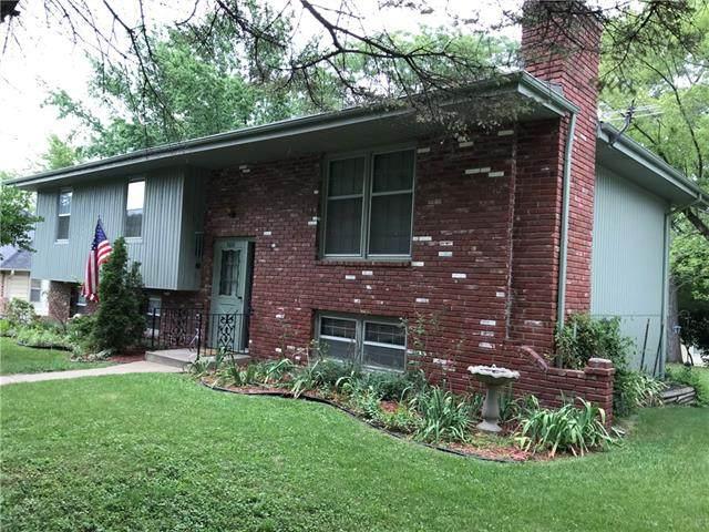 5001 Laramie Lane, Kansas City, MO 64129 (#2337214) :: The Kedish Group at Keller Williams Realty