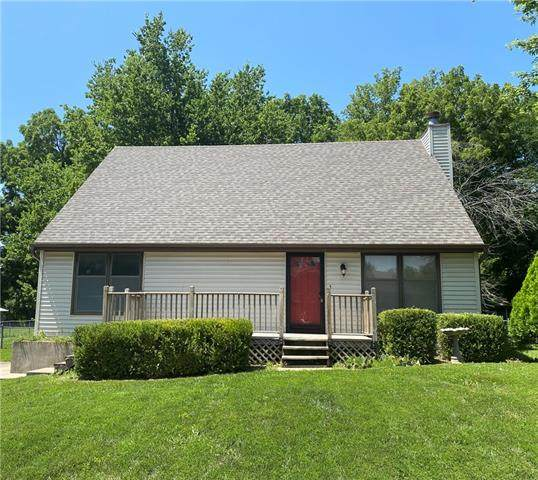 6906 Michael Lane, Pleasant Valley, MO 64068 (#2337237) :: Audra Heller and Associates