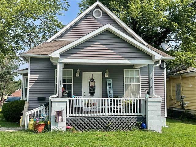 812 Pacific Avenue, Osawatomie, KS 66064 (#2337248) :: The Shannon Lyon Group - ReeceNichols