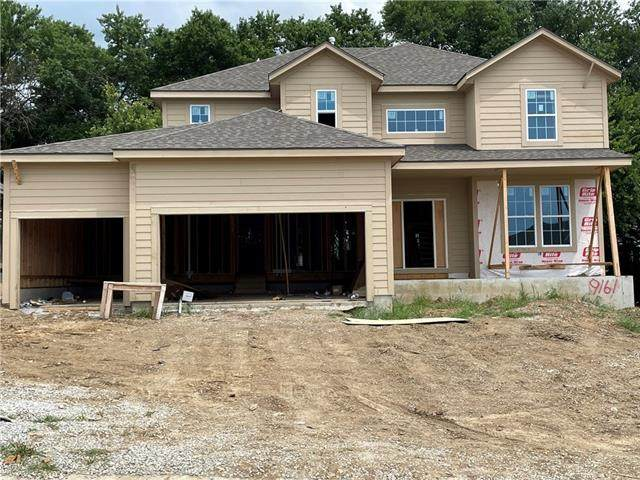9161 Green Road, Lenexa, KS 66227 (#2337268) :: Eric Craig Real Estate Team