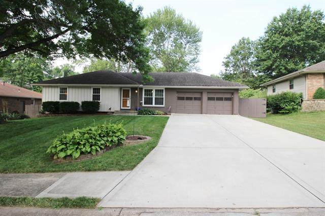 3000 S Ponca Drive, Independence, MO 64057 (#2337306) :: Ask Cathy Marketing Group, LLC