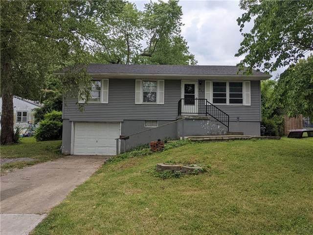 607 E Shady Lane, Harrisonville, MO 64701 (#2337317) :: Eric Craig Real Estate Team