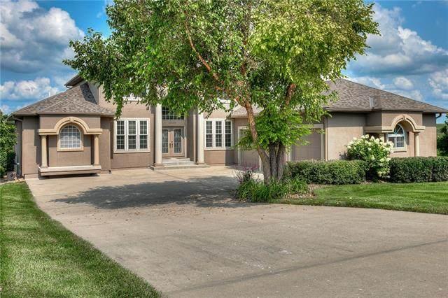 10104 Meadow Lake Circle, Liberty, MO 64068 (#2337383) :: Eric Craig Real Estate Team