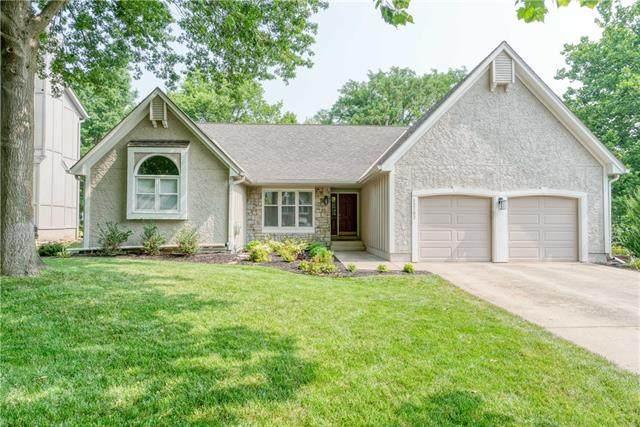 12702 W 121st Street, Overland Park, KS 66213 (#2337456) :: Eric Craig Real Estate Team