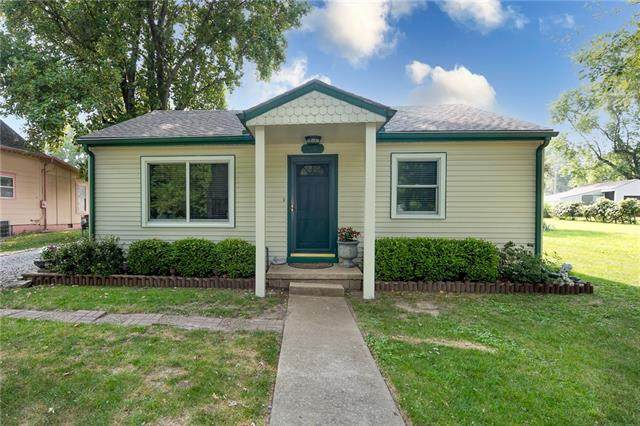 310 S Jefferson Street, Raymore, MO 64083 (#2337478) :: Five-Star Homes