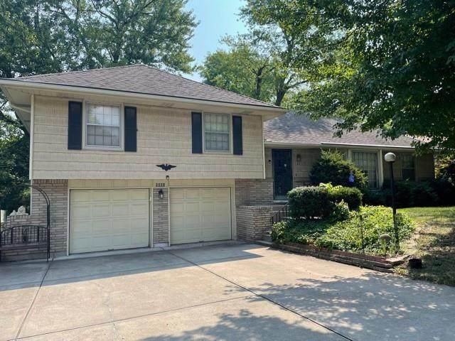 5005 Osage Avenue, Kansas City, MO 64133 (#2337492) :: Austin Home Team