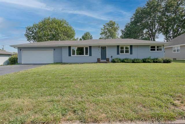 308 High Drive, Odessa, MO 64076 (#2337505) :: Eric Craig Real Estate Team