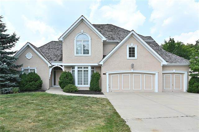 6116 Westwood Court, Parkville, MO 64152 (#2337552) :: Tradition Home Group   Compass Realty Group