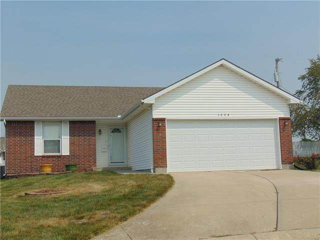 3004 Easton Street, Harrisonville, MO 64701 (#2337677) :: Eric Craig Real Estate Team