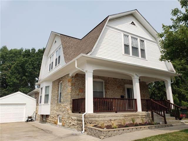 12902 Grandview Road, Grandview, MO 64030 (#2337739) :: Eric Craig Real Estate Team