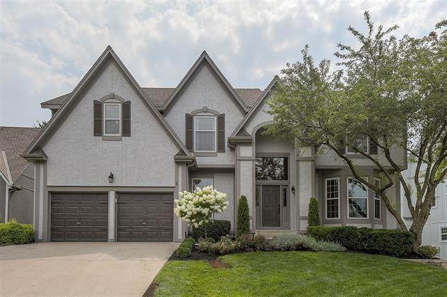 8813 W 148th Terrace, Overland Park, KS 66221 (#2337771) :: Eric Craig Real Estate Team