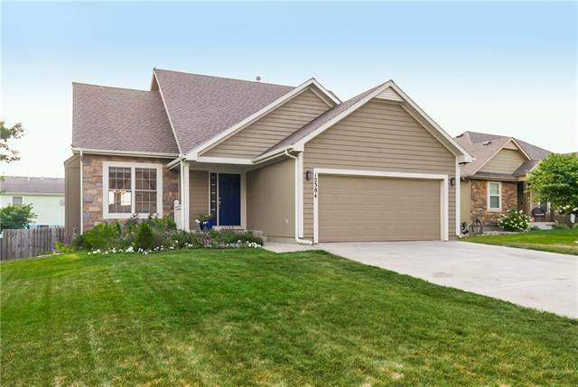12384 S Lincoln Street, Olathe, KS 66061 (#2337799) :: Eric Craig Real Estate Team
