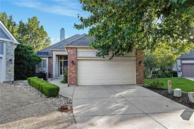14248 Slater Street, Overland Park, KS 66221 (#2337823) :: Austin Home Team