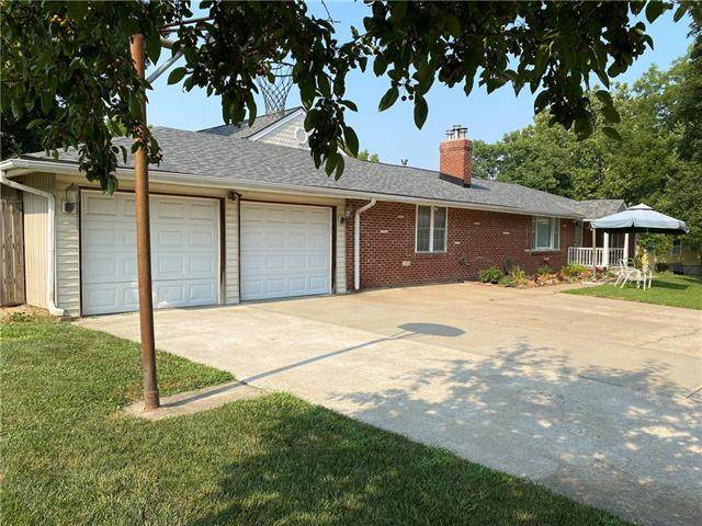 5148 Sloan Avenue, Kansas City, KS 66104 (#2337873) :: The Kedish Group at Keller Williams Realty
