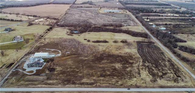17770 Ridgeview Road, Olathe, KS 66061 (#2337910) :: Eric Craig Real Estate Team