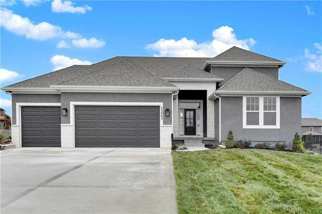 24809 W 75th Place, Shawnee, KS 66227 (#2338066) :: Tradition Home Group | Compass Realty Group