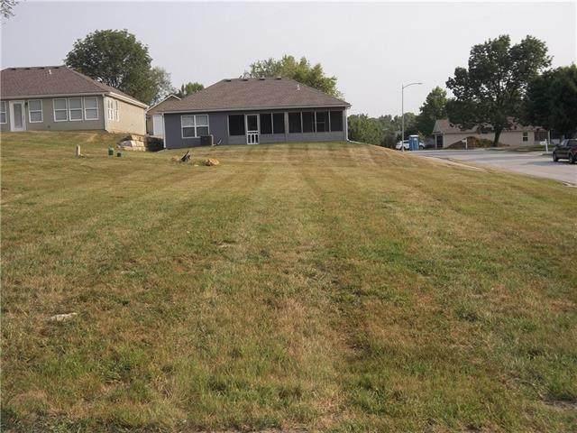 900 Highland Street, Pleasant Hill, MO 64080 (#2338416) :: Austin Home Team