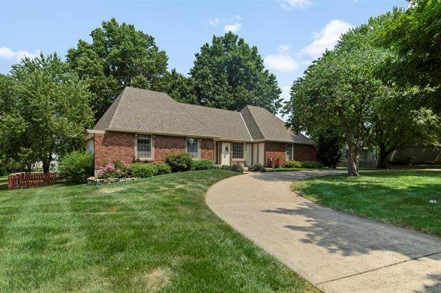 3904 W 140th Drive, Leawood, KS 66224 (MLS #2338498) :: Stone & Story Real Estate Group
