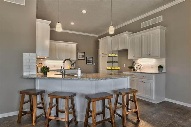 21607 W 120th Street #3702, Olathe, KS 66061 (#2338517) :: Austin Home Team